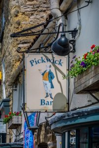Pickwick Sign 3